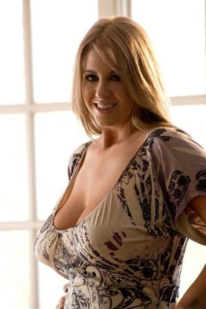 Hot girls big naturals spreading Free Mature Tits Pictures At Ideal Mature Com